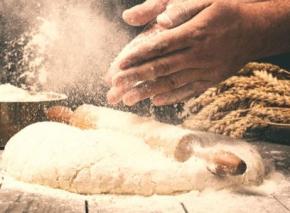Für die perfekte Knusper-Pizza: Hefeteig selber machen