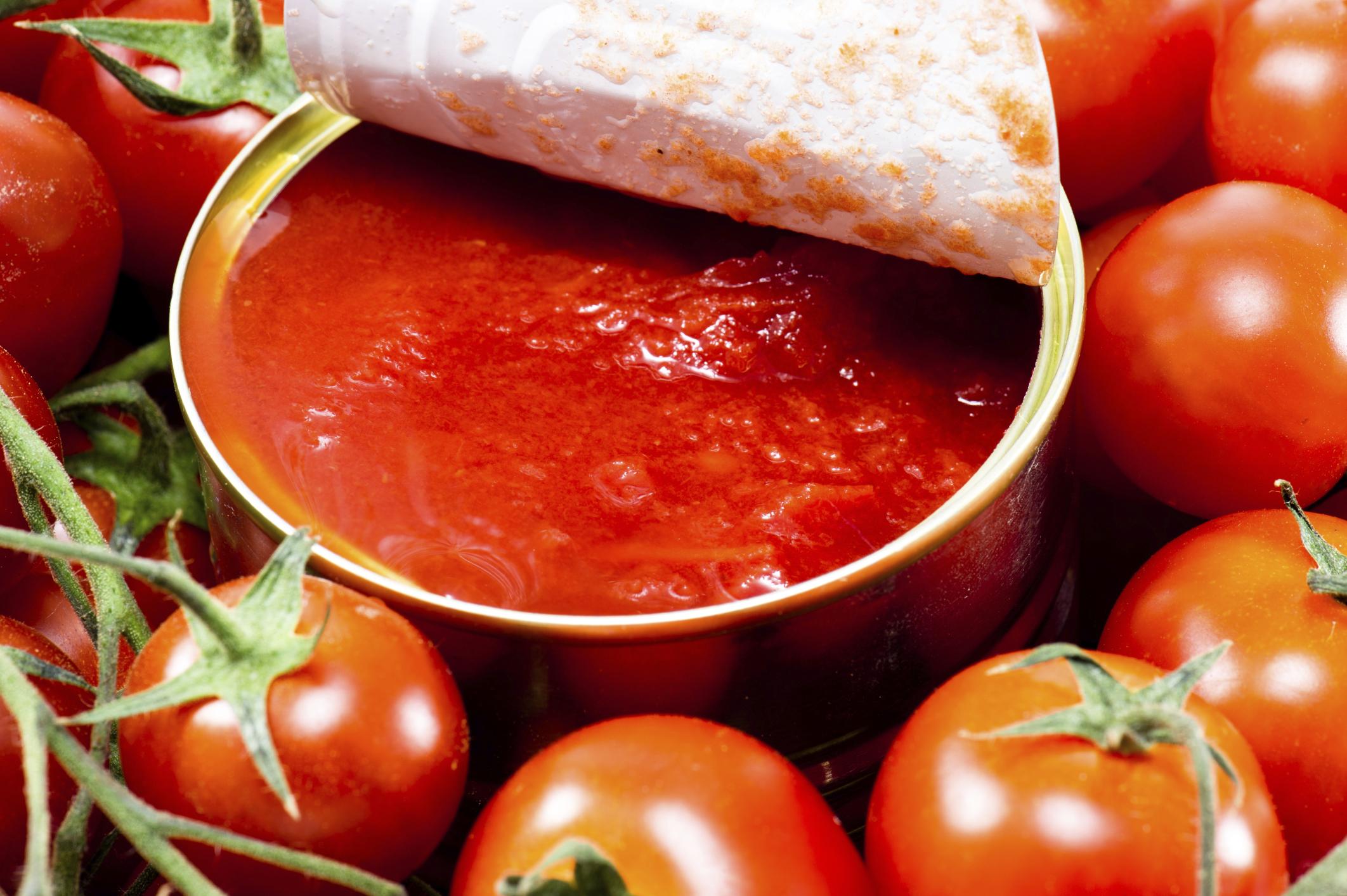 Eine Dose Tomaten