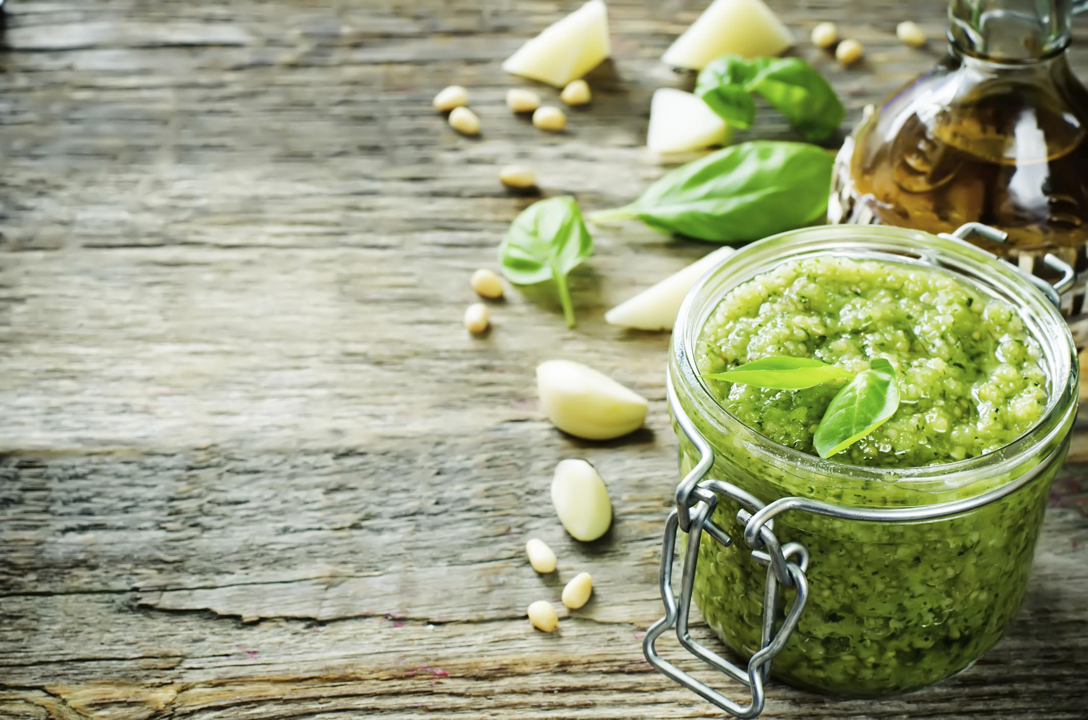 Frisch zubereitet: grünes Pesto